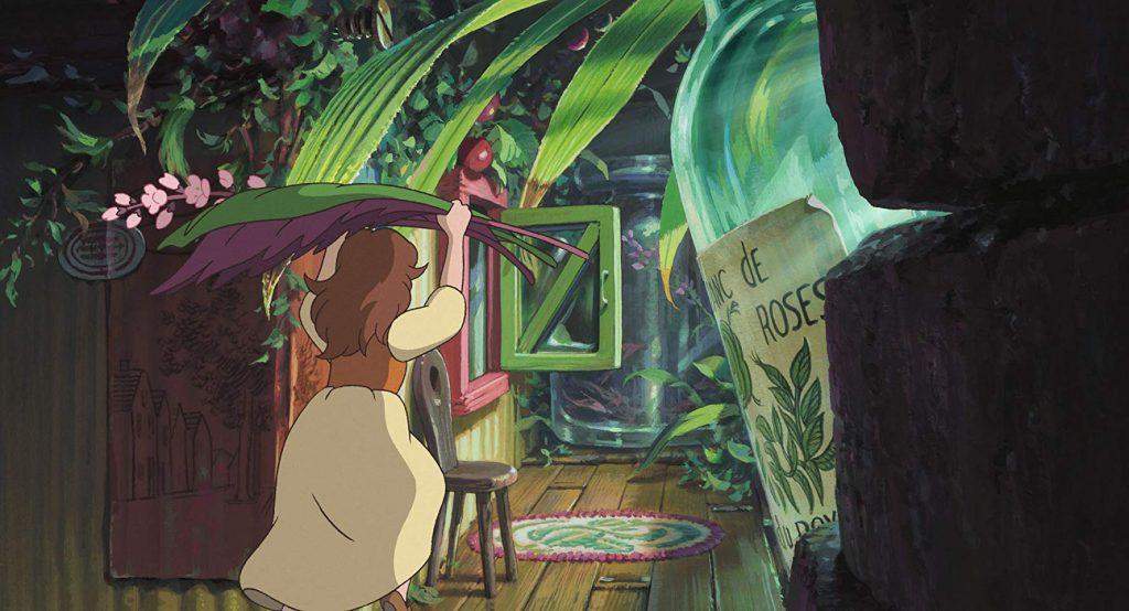 Arrietty en el mundo de los diminutos, saliendo de su casa